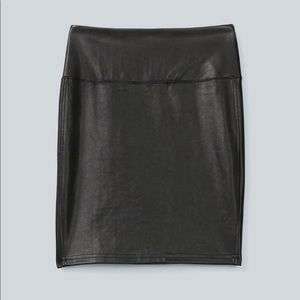 Wilfred free faux leather skirt in small